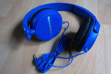 Philips SHL3060 On the Ear DJ Headphones  image 4
